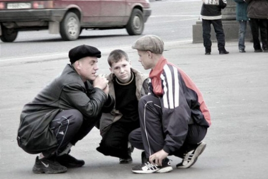Russians don't need chairs, they just squat - Picture 16