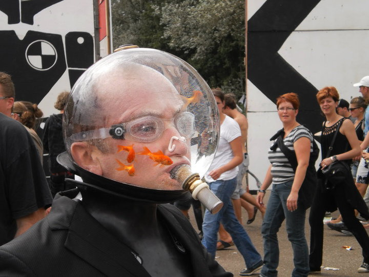 Fish tank head really funny pictures collection on for Fish head costume
