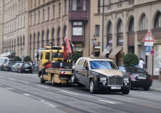 Towing a Rolls Royce
