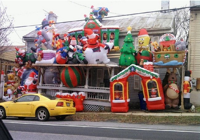 House Christmas decorations